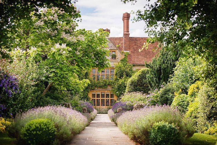 Belmond Le Manoir aux Quat'Saisons in country side wedding venue in Oxfordshire