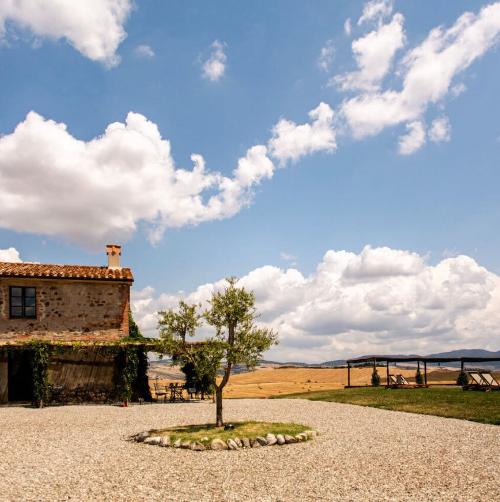 grounds of tuscany wedding venue locanda villa