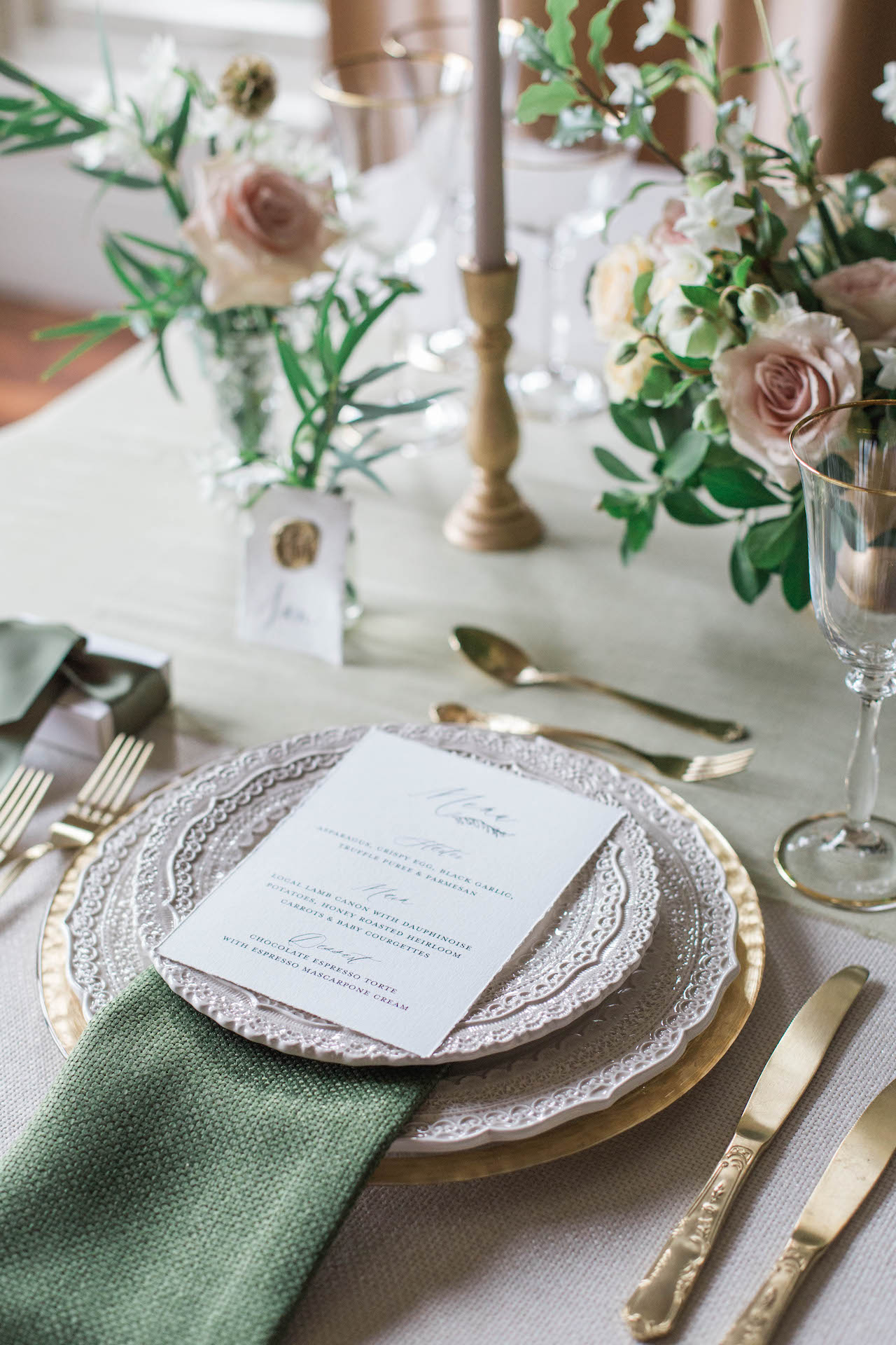 place setting at luxury wedding designed by Kimberley Rose Designs