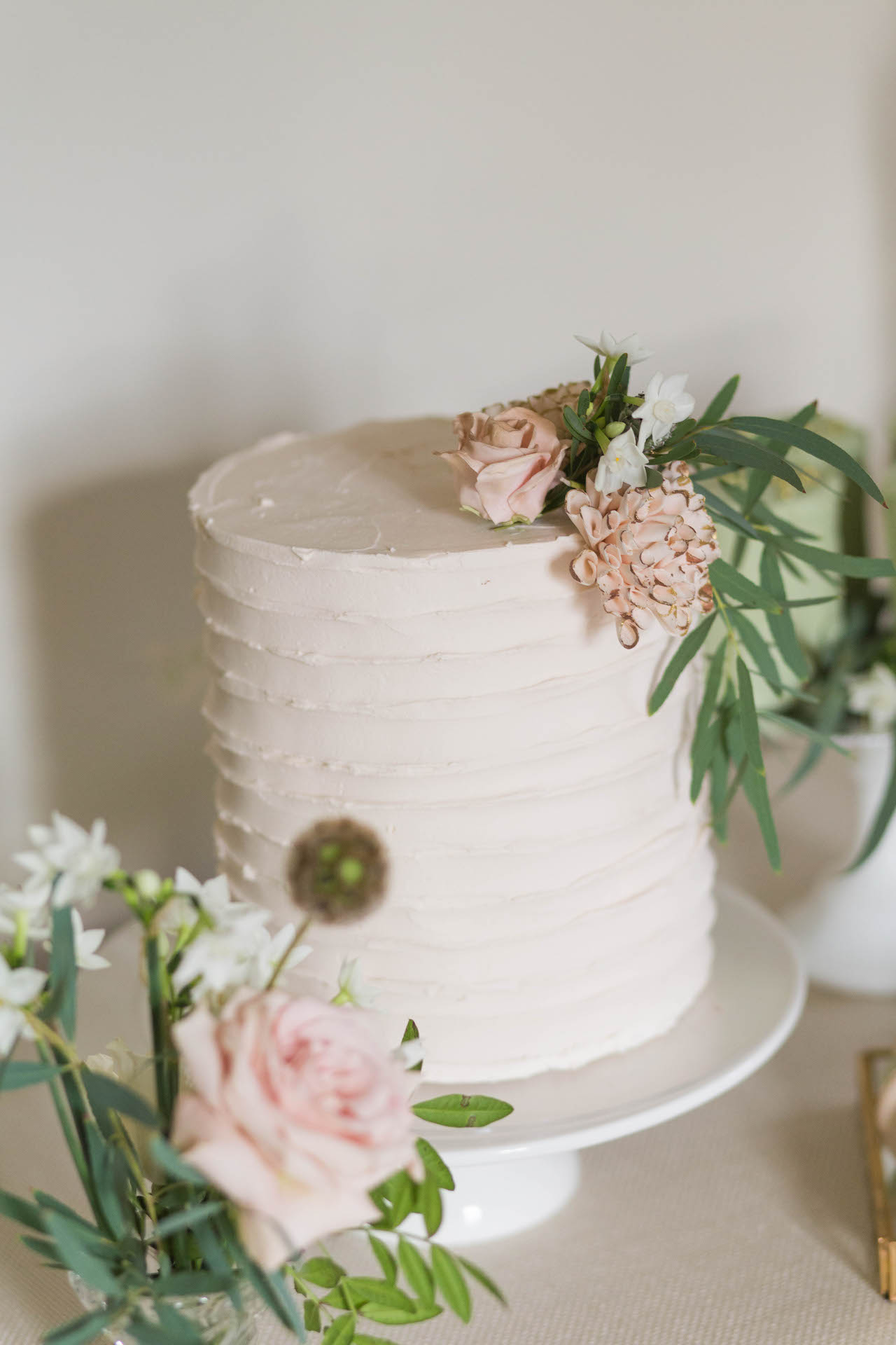 single tier buttercream wedding cake