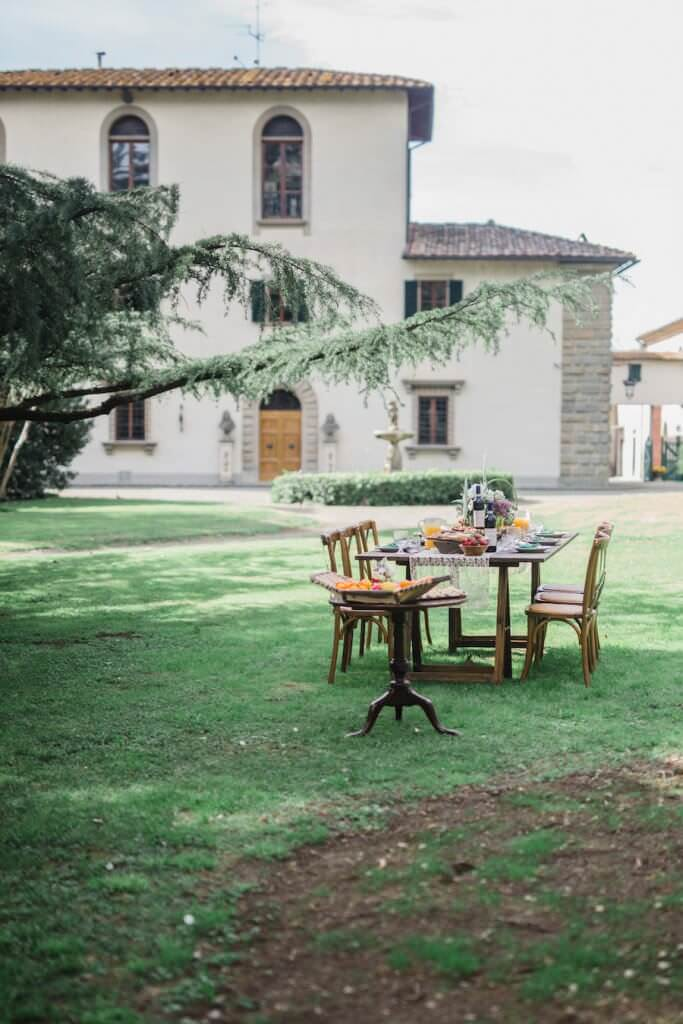 alfresco dining for post wedding brunch under the tuscan skies at villa pazzi