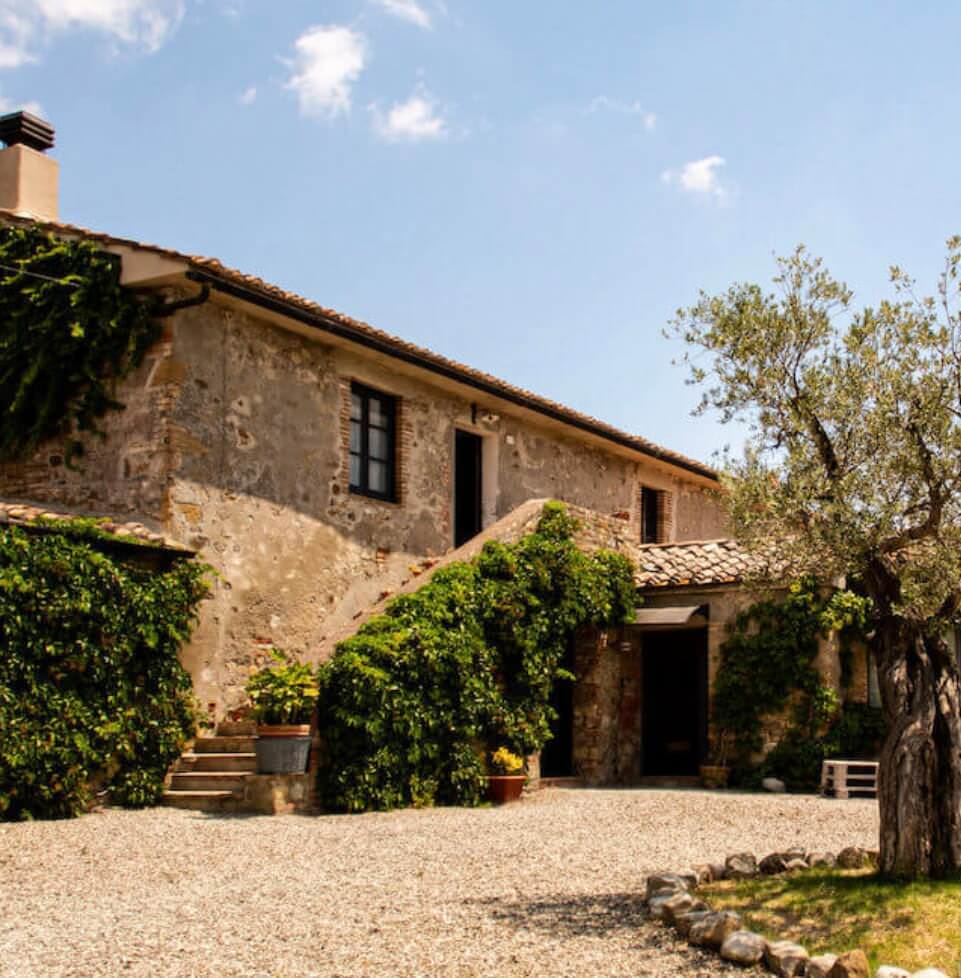 Tuscany wedding venue locanda villa in val d'orcia